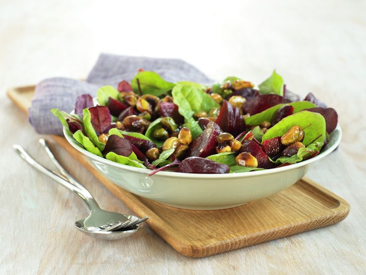 Salat med rødbeter og glaserte nøtter