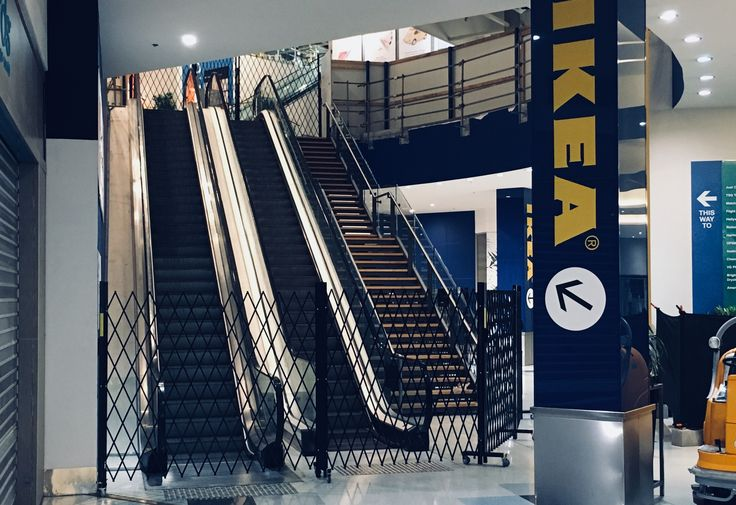 EXPANDING BARRICADES FOR IKEA