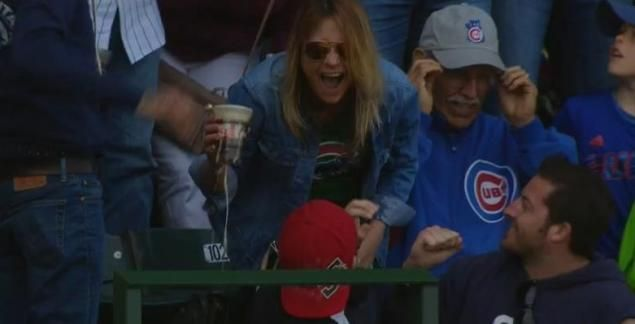 VIDEO: Cubs fan catches foul ball with cup of beer, chugs it - NY Daily News