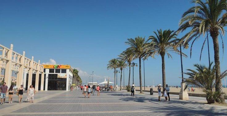 Ben je in de wintermaanden toe aanzon en wat warmte, maar wilje de gezellige kerstsfeer en lange donkere avonden niet missen? Dan is Valencia de perfecte stad voor jou! Strand, prachtige gebouwen, heerlijk eten en een relaxte sfeer: je vindt het allemaal in deze Spaanse kuststad. Wijhebben in Valencia getest wat je er allemaal in …