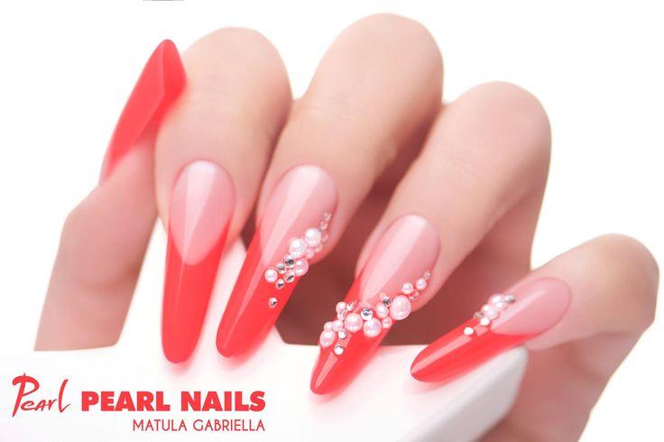 Felhasznált anyagok/Nails made by: Piros/Red Builder Color Gel. #pearlnails #műköröm #nails #nailstagram #frenchnails #franciakörmök #rednails