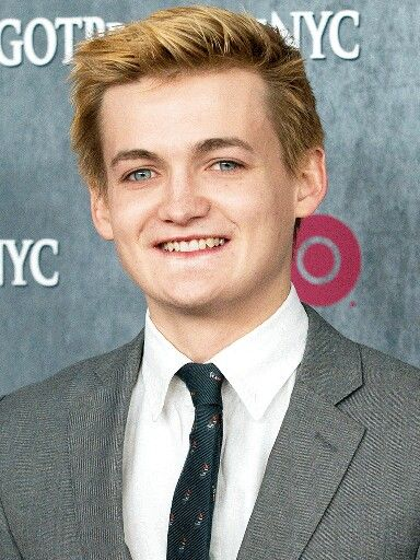 Jack Gleeson - I would love to high five this guy one day. Hands down one of the most hateable villans ever. Hats off to you sir.