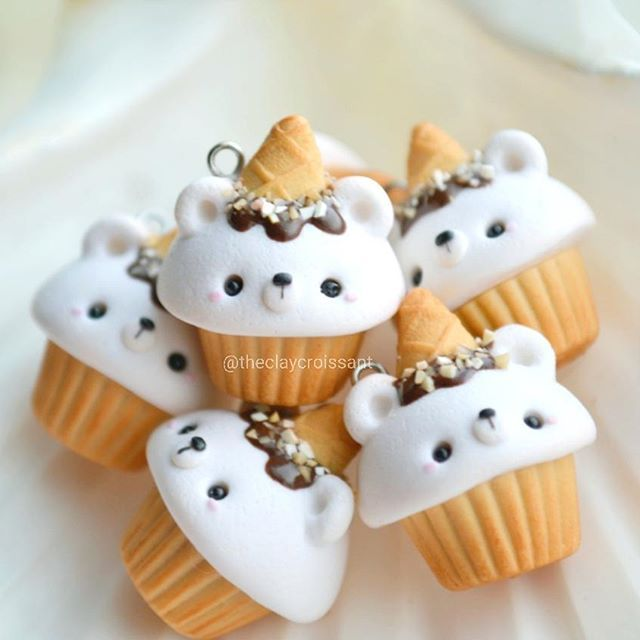 Ice cream bear cupcakes! preparing for the next restock. Anyone else eat ice cream when it's cold? Right now I'm seriously obsessing over some cookies n cream from Blue Bell #polymerclay #claycharms #claycharms #clay #charms #jewelry #pendant #food #foodie #instafood #foodjewelry #kawaiifood #cutefood #handmade #diy #etsy #crafts #icecream #icecreambear #cupcakes #bluebell #cold #frozen #kawaiicharms #kawaii #cute #love