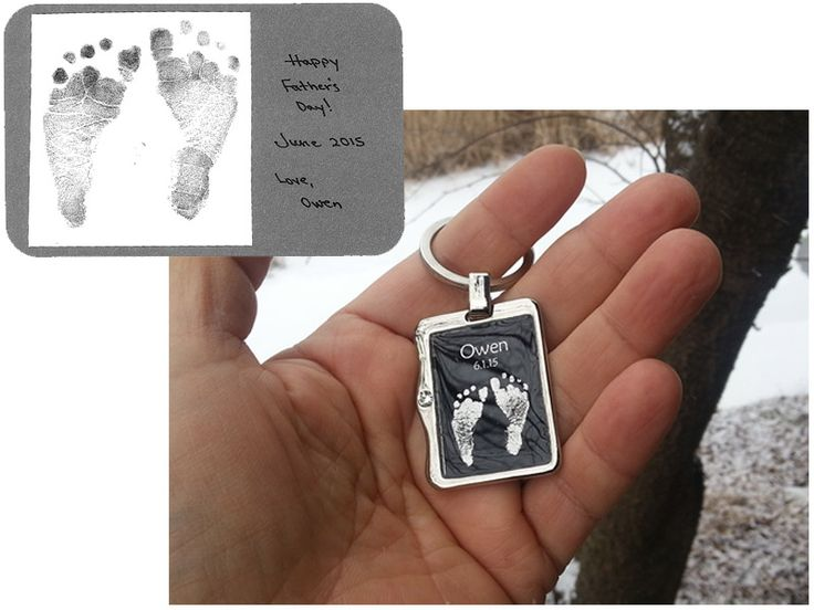 Personalized Key Ring with Baby foot in silver print.