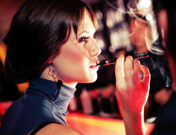Addio alla sigaretta elettronica e benvenuta sigaretta a vapore? Sembra proprio che dal 3 novembre in Italia saranno disponibili  http://tuttacronaca.wordpress.com/2013/10/23/ploom-arriva-la-sigaretta-a-vapore/