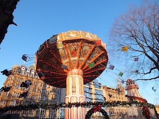 #Edinburgh #Christmas #chair-o-planes