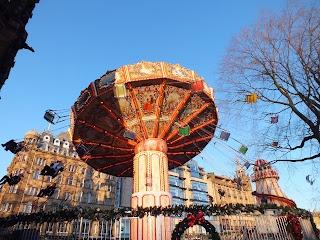 #Edinburgh #Christmas #chair-o-planes