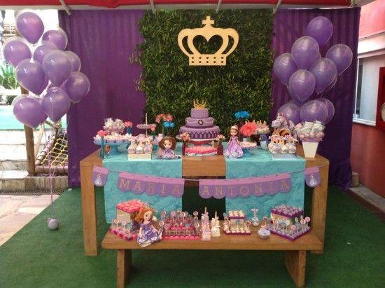 Decoração de festa infantil princesa Sofia azul e roxo