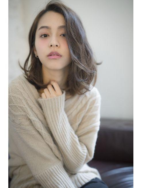 ジョエミバイアンアミ(joemi by Un ami) 【joemi 】グレージュ×無造作ウェーブ×フリンジバング☆眞鳥