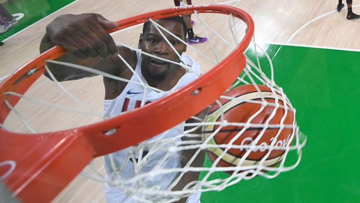 Basketball-Men's Team-Preliminary Round USA vs VEN:   United States forward Kevin Durant (5) dunks the ball against Venezuela during the men's basketball preliminary round in the Rio 2016 Summer Olympic Games at Carioca Arena 1.