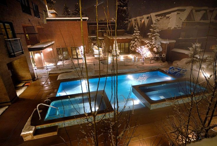 Like the highest Rocky Mountain peak, The Limelight Hotel reveals the best views and access to Aspen¹s most sought-after terrain