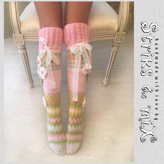 Socken stricken Socken mit Strickade Strumpor med Blommor, Haus Socken, Kniestrümpfe Frau, Blume, Gestrickte Socken Mit Blumen, pink und grün
