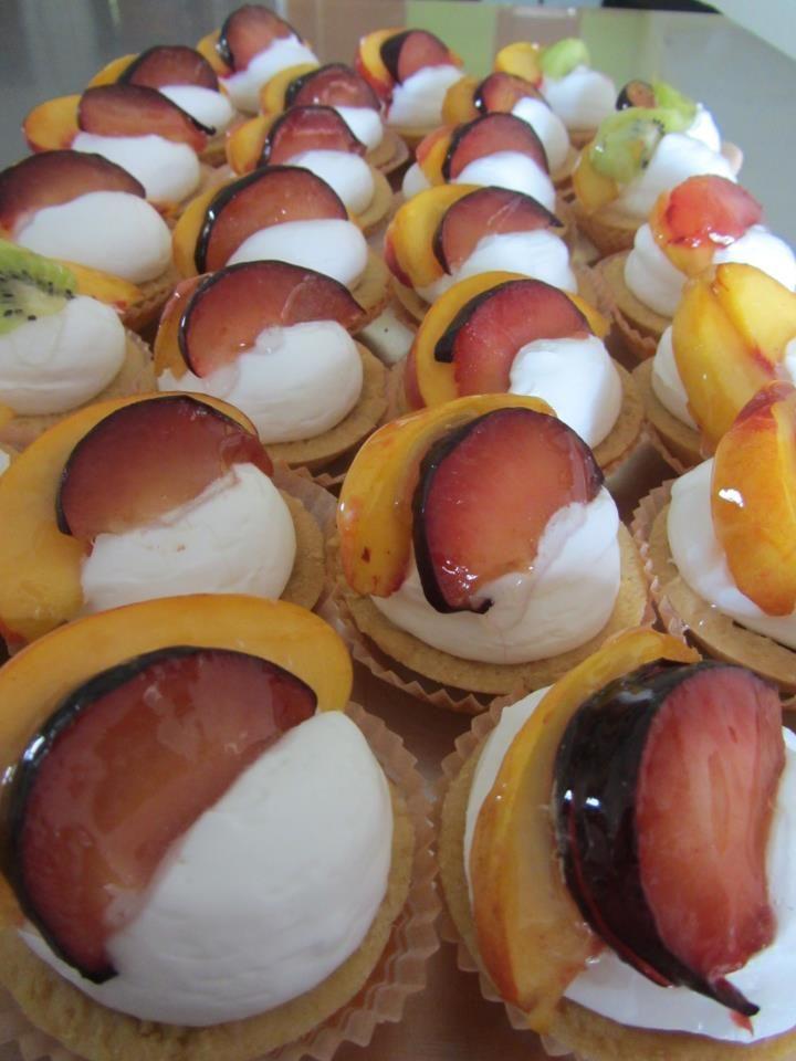Fruit frola tartaletes