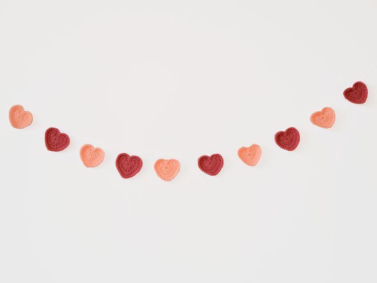 Bandeirola de crochê - Corações rosa