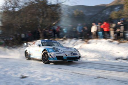 """""""自分の""""ポルシェ911 GT3 RSでファクトリーチームに勝利、ワークスドライバーの高い技術/モンテカルロ・ラリー"""