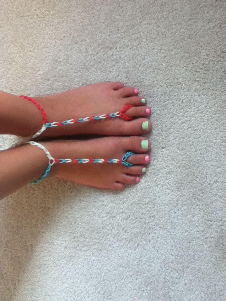 Rainbow loom barefoot sandals sooooooo fun to make and really easy!!