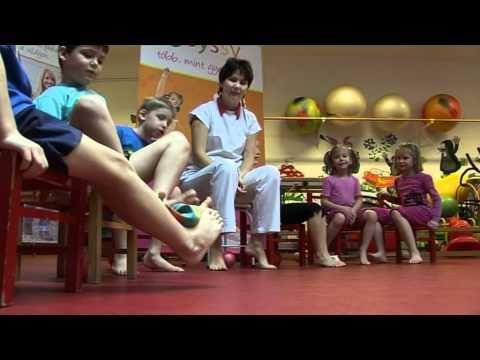 3-10 éves kor között a rendszeresen végzett, napi félórás lábtorna a leghatékonyabb módszer a gyermekkori láb deformitások megelőzésére. Végezzétek a Heim Pá...