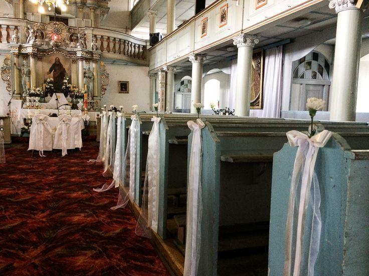 #zielonenabiałym #kościół #kosciol #dekoracje #kwiaty #wesele #ślub #slub #wedding #decor #church #slubjeleniagora #jeleniagora #wesele