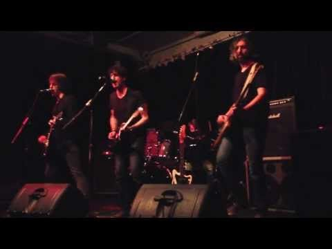 The Fuzzy Bees - HELLO (live clip) - EP launch May - 3 - 2013