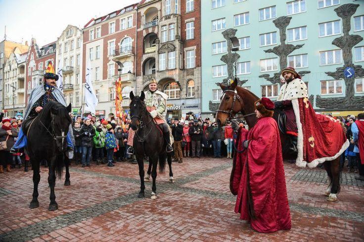 orszak Trzech Króli wjechał na rynek | Bytom | fot. Natalia Bojanowicz