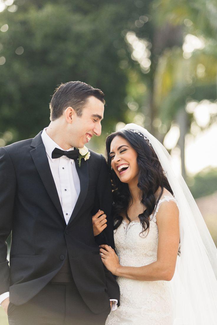 Klassischer Hochzeitsanzug mit schwarzer Fliege und Kummerbund