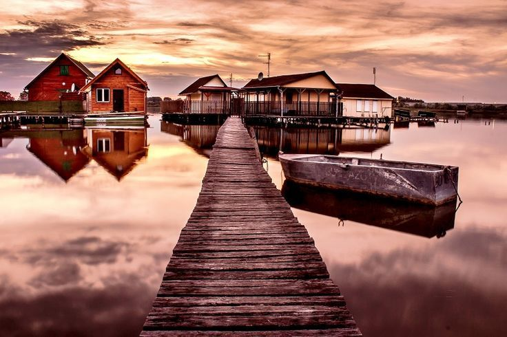 Hey People, Today I am going to share something very amazing with you…. Something that is very beautiful, Very romantic, gorgeous Very unique and only one of its kind in the world……………………….. Come on , let me revile the suspense…. I am talking about; The Floating Village – Bokod, Hungary You will be really love this place as this whole …