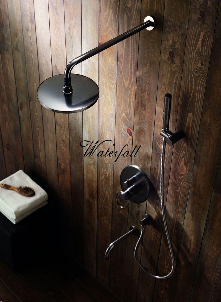 Retro sprcha Sole http://www.water-fall.cz/cz/koupelnove-baterie-luxusni-kuchynske/koupelnove-serie/sole/ a http://www.waterfall-products.cz/28-sole