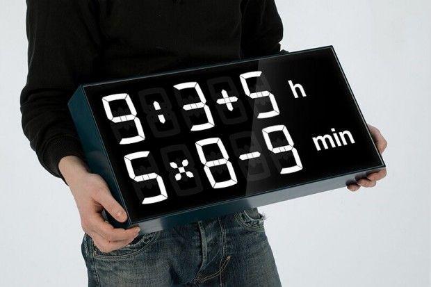 Albert Clock est une horloge créée par le studio MNTNT qui, au lieu d'indiquer l'heure, vous propose de résoudre des problèmes de calcul. Elle vise à réunir la curiosité, les aspects ludiques et le plaisir de résoudre des problèmes de mathématique.  Cette horloge digitale pose des problèmes de calcul au lieu d'indiquer les heures et les minutes. Pour savoir l'heure, il faut faire un peu de calcul mental. Au lieu de 12 heures 33, l'horloge affiche 8 heures plus 4 et 53 minutes moins 20...