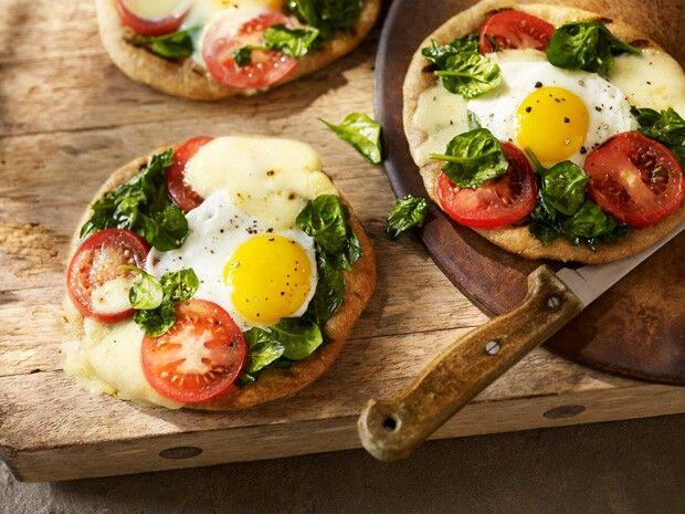 Healthy pizza #egg #veggies