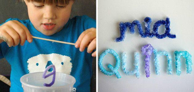 Letras de cristal, experimentos caseros para hacer con niños