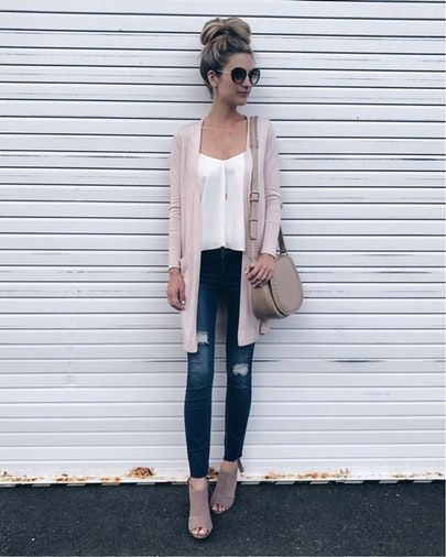 I never noticed the age lines on my neck until it was too late and started to look like this garage door 🤦🏼‍♀️👵🏻🤣.   This cardi is on sale under $50.   The pink is selling out again (it also comes in a lovely gray) so I shared two similar options stocked in pink.   My cami is $25 and this bag is 40% off for only $35!!!!   To shop my outfit:  1️⃣ without email sign up click this pic at www.pinterestingplans.com/shop-instagram (outfit links will appear below the pic)…