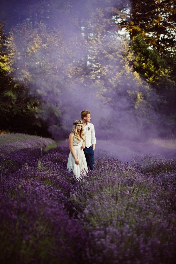Dreamy portrait in a blooming field | Rivkah Photography