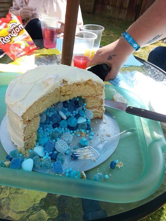 Exploding cake!