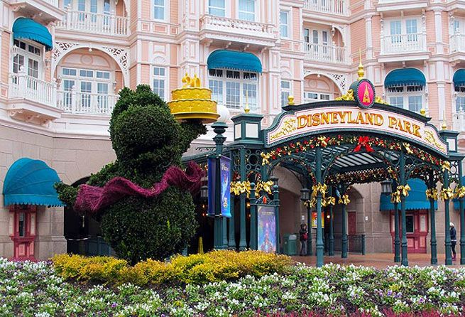 RoamRight shares 7 Not to Miss Attractions at Disneyland Paris