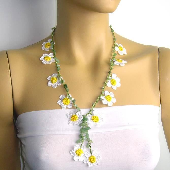 Crochet oya lace white daisy necklace with jade stones.