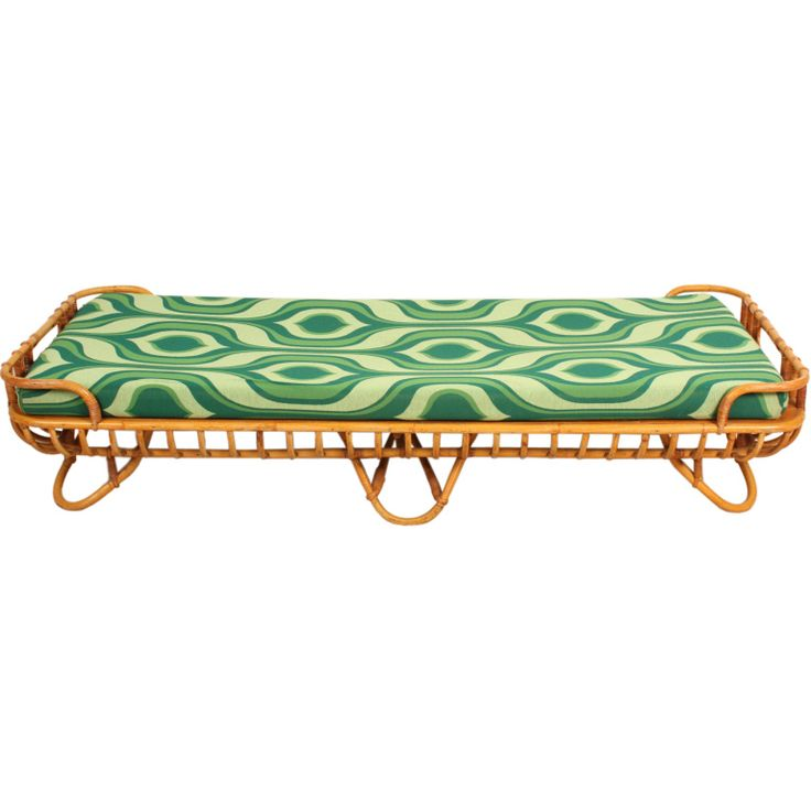 1stdibs | Rattan daybed with 60 fabric Rohe the Netherlands