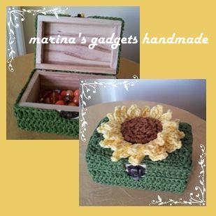 scatolina in legno decorata con cotone e girasole lavorato all'uncinetto