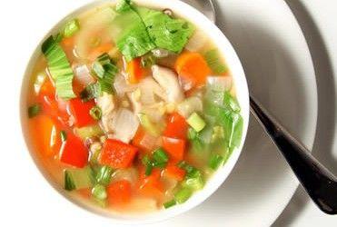 Kan je met het soepdieet goedkoop en supersnel afvallen? Er wordt beweerd van wel, maar wat zeggen de ervaringen en is het wel gezond?