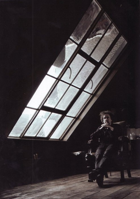 Tim Burton in Sweeney Todd's barber shop. Very cool!