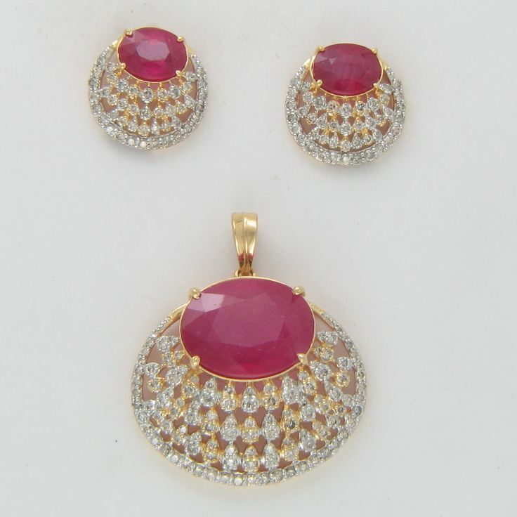 Buy exquisitely handmade Imitation and fashion jewellery online atAntiquariat Jaipur. Choose from the largest range of #necklaces #earrings #bracelets #bangles #Pendantset #Rings