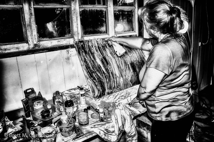 Here's an easy way to create dramatic, highly-stylized, highly-detailed, black and white versions of your photos.