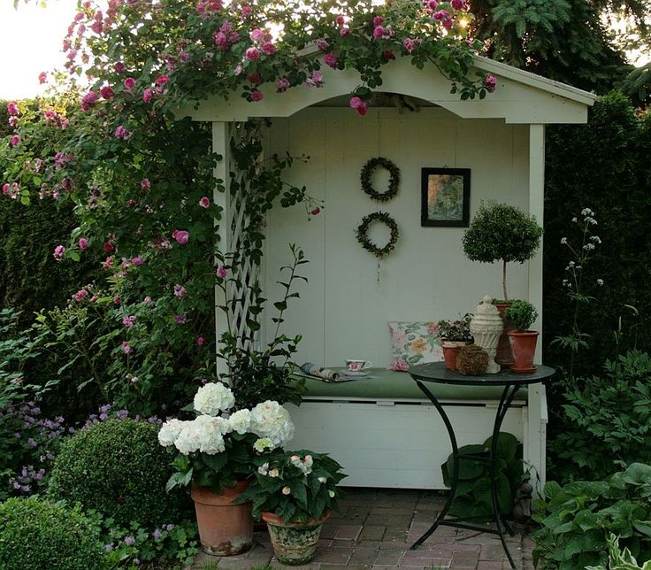 Gartenlaube -  Philosophenbank - nur Foto