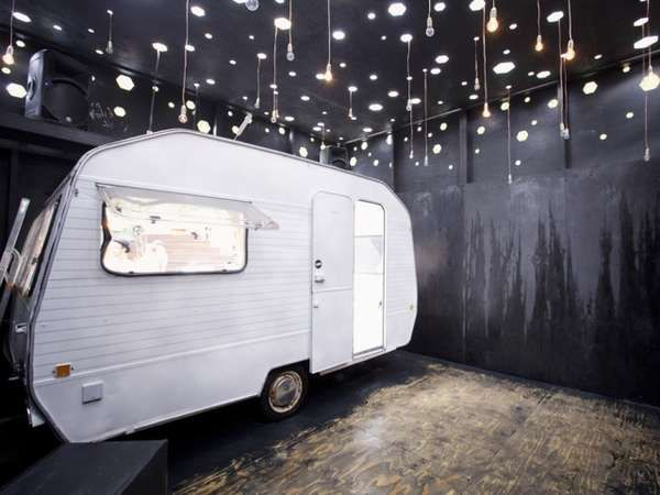 30 Twisted Trailer Parks - From Compact Caravan Nightclubs to Hot Trailer Home Spreads (CLUSTER)