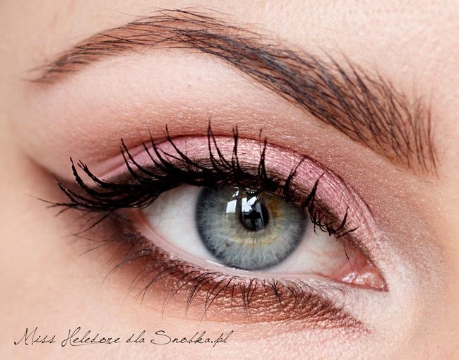 cat eye Cat eye makeup, Eye makeup, Pink eye makeup