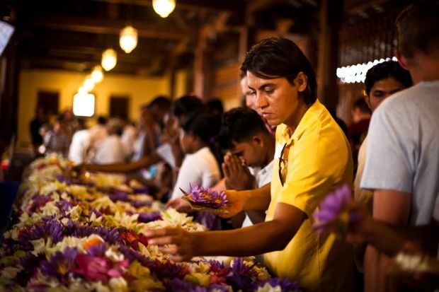 Making their way amidst the milling crowds, the team perhaps saw a different facet of Sri Lanka. The old and young clad in white visited the temple to offer their prayers with sweet smelling jasmine and incense.