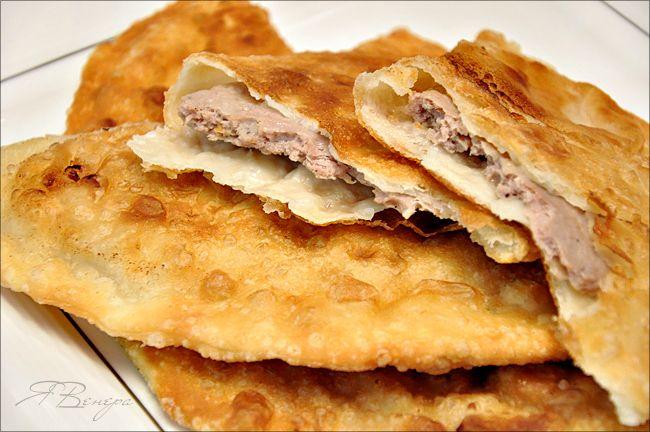 Чебуреки с мясом (очень удачное хрусткое тесто) - рецепт.