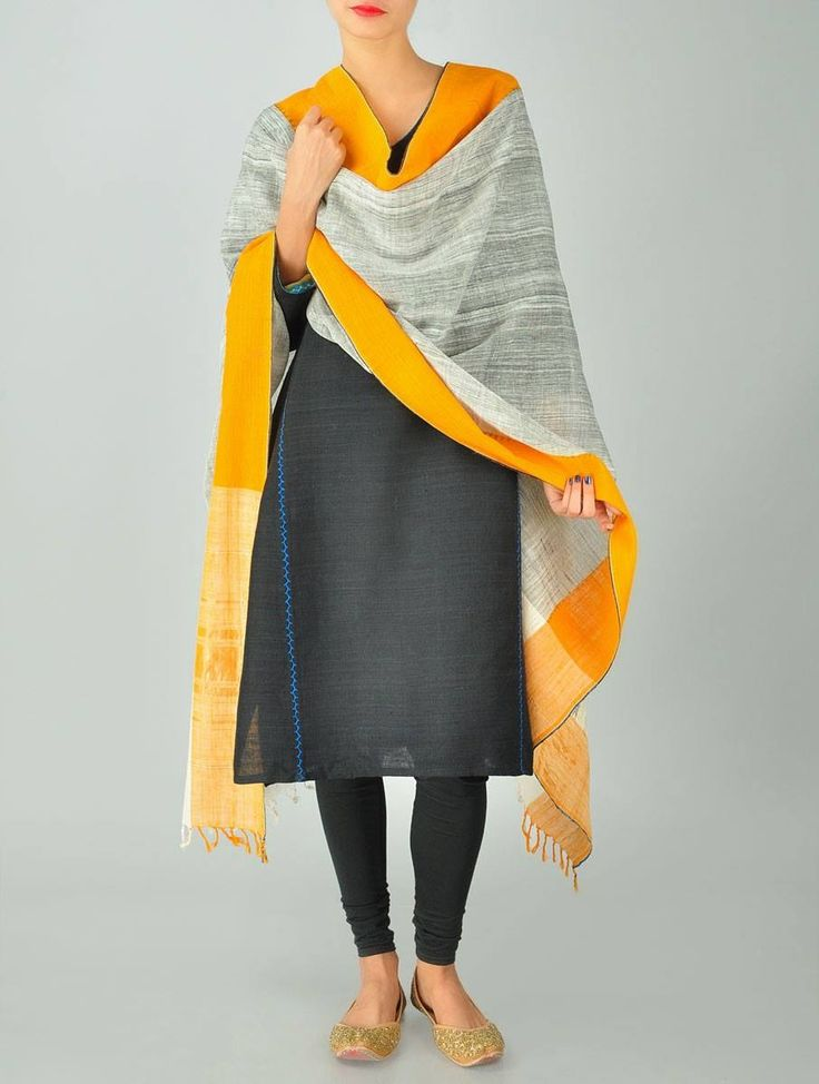 my favourite look - khadi, knee length kurta, leggings and a great dupatta