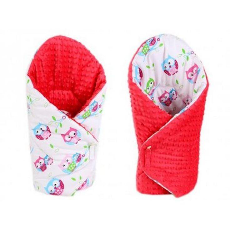 Яркий конверт одеяло двубортное для девочки Сова красный серый в подарок малышу на выписку. Выполнен из американского 100% гипоаллергенного хлопка, застежки – липучки, наполнитель – синтепон по сезону. Может быть использован как плед в коляску, заворачивать малыша можно с обеих сторон.