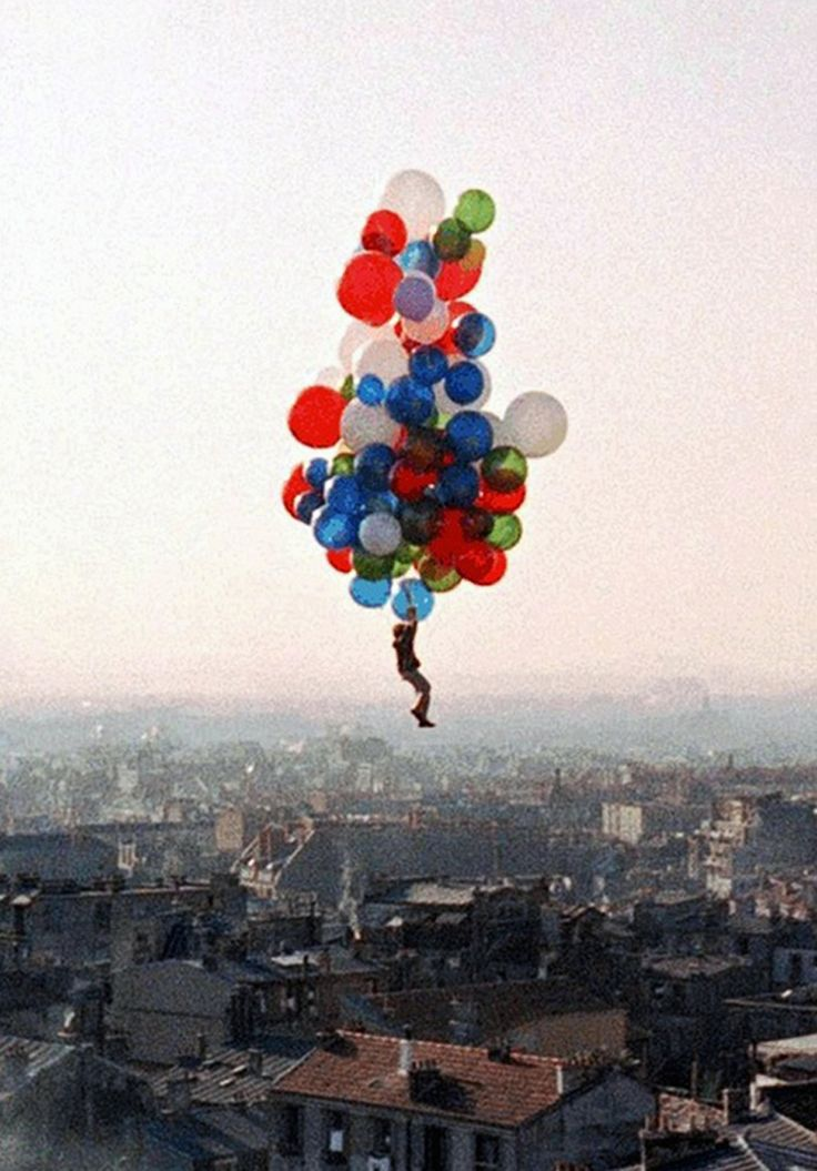 Final scene of The Red Balloon (Le Ballon rouge) by Albert Lamorisse, 1956