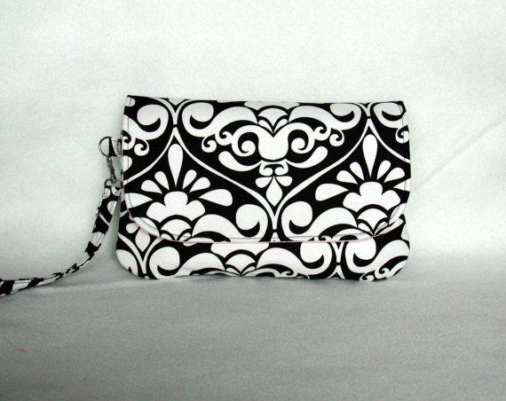 Embrayage couche-culotte damassé noir et blanc par BarefootBagShop